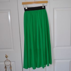 Light, flowy green maxi skirt with elastic waist